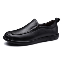 2020 Men Loafers Genuine Leather for Men Casual Shoes Soft Moccasins Flats Men Shoes Waterproof Slip on Footwear *6826 soft women shoes flats moccasins slip on loafers genuine leather ballet shoes fashion casual ladies shoes footwear