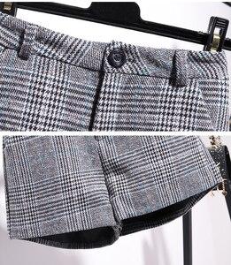 Image 5 - 秋冬プルオーバーニットトップ格子縞のスカート 2 個セットストライプ長袖セーター + ハイウエストチェック柄ショーツ 2 ピースセット
