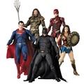 18 см аниме Лига Справедливости Бэтмен аквамэн «Суперженщина» и «Супермен» флэш киборг Модель Коллекционная фигурка игрушка рождественски...