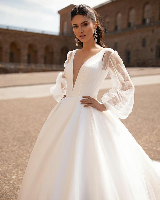 Simple 2021 Wedding Dresses Sexy V Neck Removable Long Sleeves Vintage Satin Wedding Gowns Backless Beach Bridal Dress 2