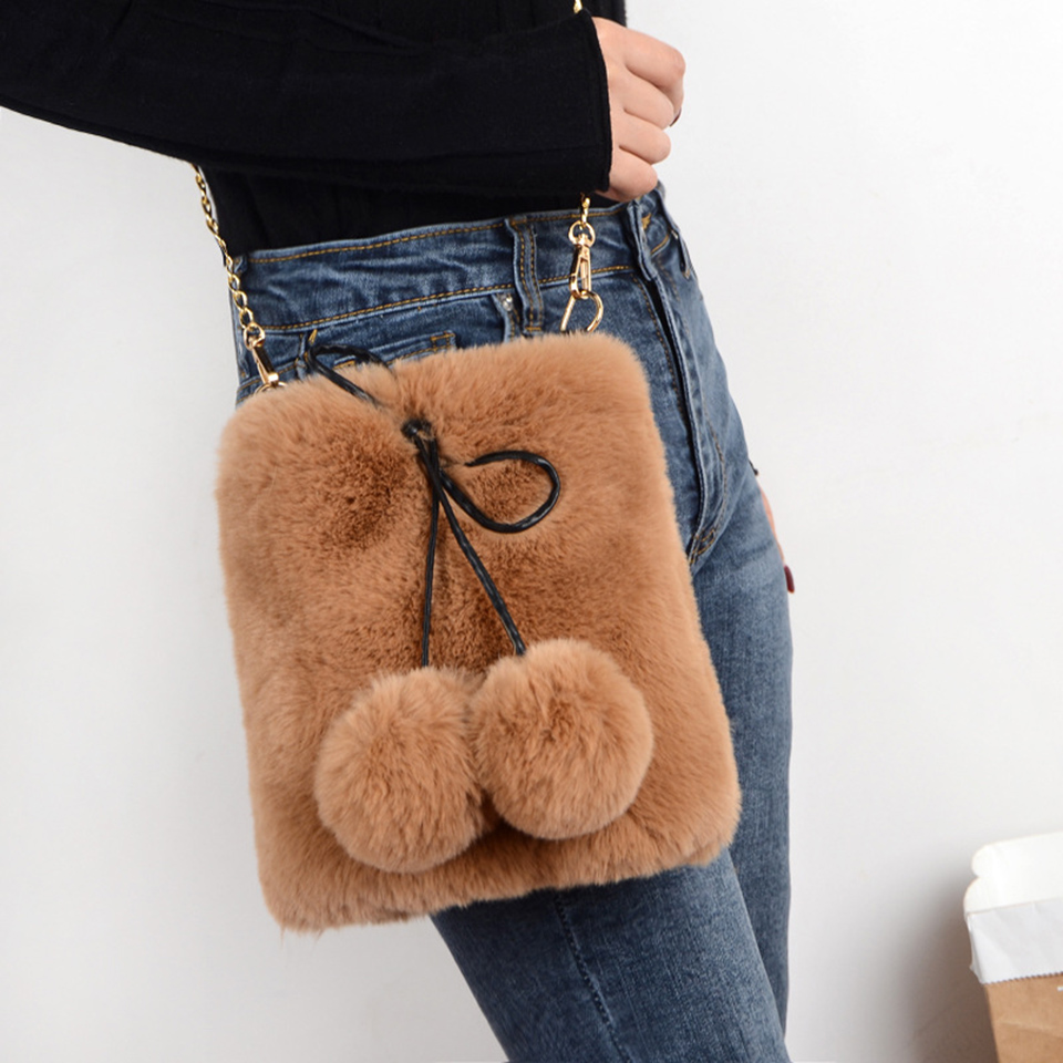 Women Faux Fur Chain Shoulder Bag 2020 Fashion Winter Soft Plush Crossbody Bag Cellphone Purse Cute Bucket Bag With Balls Bolsos