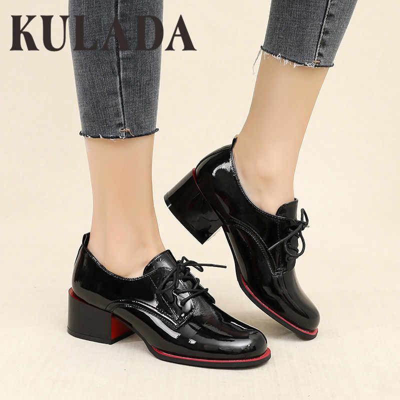 KULADA yeni kadın pompaları ayakkabı Patent deri kalın topuk ayakkabı kadın yuvarlak ayak pompaları moda bayanlar dantel-up ayakkabı bahar sonbahar