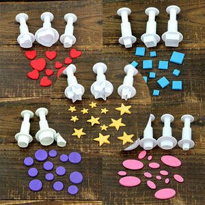 7 styles Fondant Cookie Cake Cutter Ejector  Plunger Mold Embossed Star DIY Kitchen Baking Cake Decorating Tools