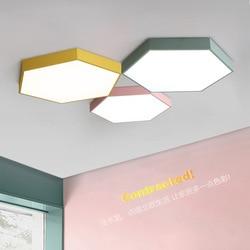 Nowoczesne  minimalistyczne sufitowe północnej europejski styl kreatywny lampa sufitowa do salonu sześciokątne kolor Macarons sypialnia lampa LED w Oświetlenie profesjonalne od Lampy i oświetlenie na