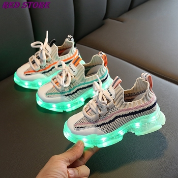 2020 New Glowing Up Kids Shoes Breathable Boys Girls Sport Shoes Children Casual Sneakers Baby Luminous Mesh Canvas Shoes D03201 new spring kids shoes breathable boys girls sport white canvas shoes children casual shell head sneakers baby running shoes