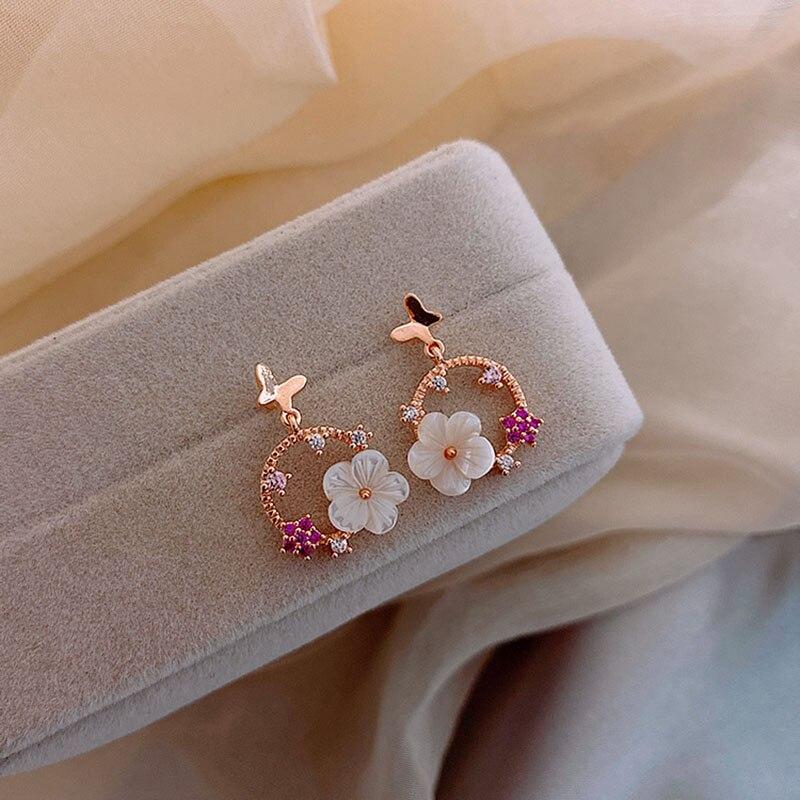 New Lovely Sweet Female Earrings Charm Small Flower Butterfly Earrings for Women Girls Korea Personality Jewelry Brincos 5S106
