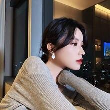 Новые корейские белые серьги кольца с капельным персиковым сердцем