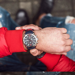 Image 4 - Top Luxury Brand MEGIR Men Sports Watches Mens Quartz Military Analog Clock Man Fashion Rubber Strap Waterproof Wrist Watch