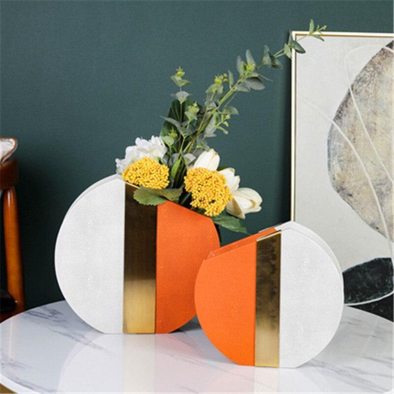 Modern Creative Vase Sculpture High-end Model Room Showroom Living Room Leather Stitching Flower Arrangement Home Decor A1504