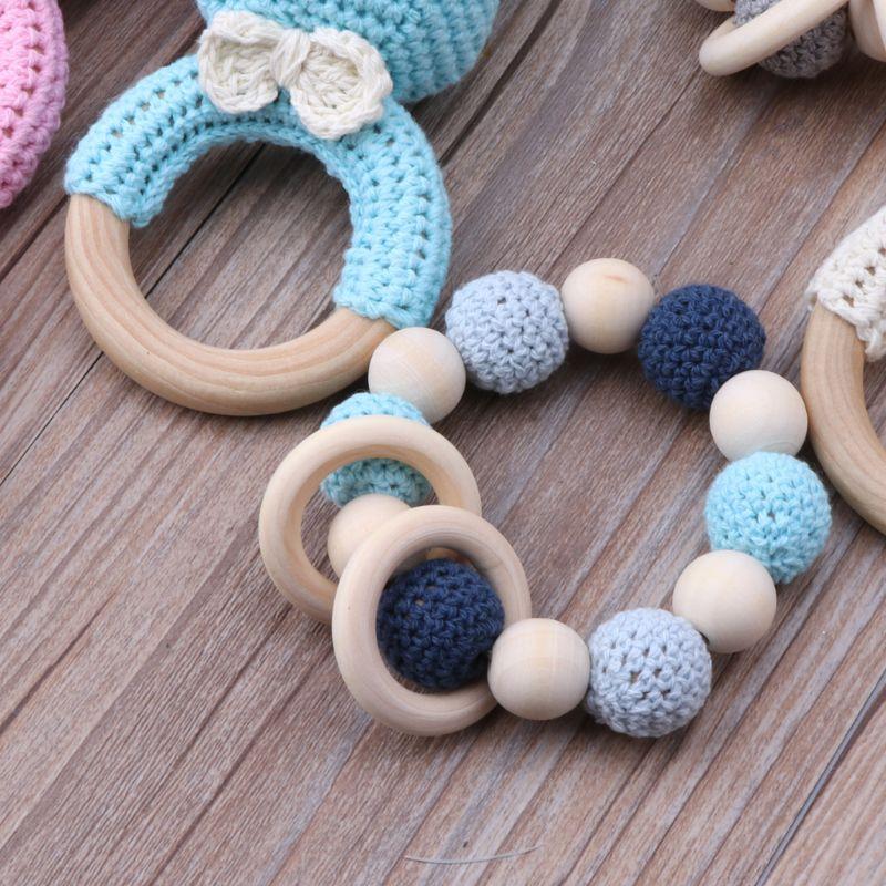 bebe mordedor madeira pulseira conjunto croche 01