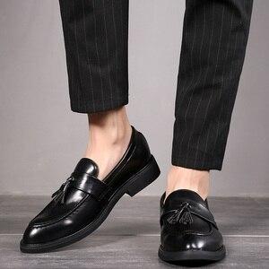 Image 5 - Uomini Scarpe Da Sera Signori stile Britannico Paty Scarpe Da Sposa In Pelle Degli Appartamenti Degli Uomini di Cuoio Oxford Scarpe Formali