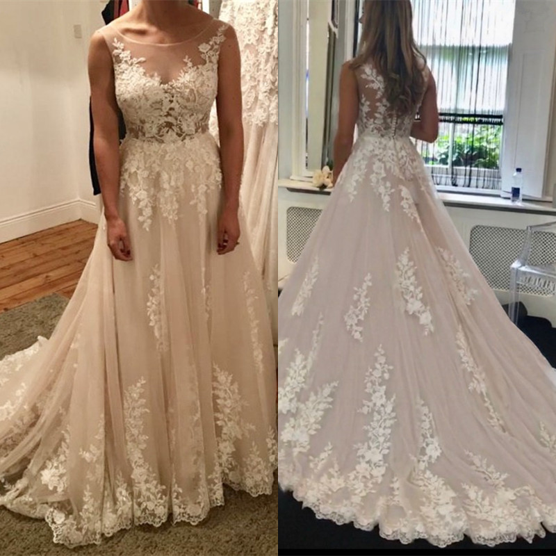 2020 New Design Wedding Dress A-line Tulle Lace Flowers Sexy Long Formal Bridal Wedding Gowns Customize EY33