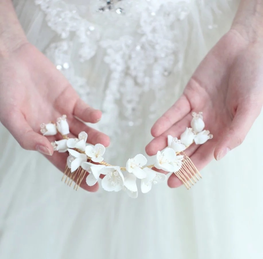 Flor de porcelana nupcial longo pente cabelo