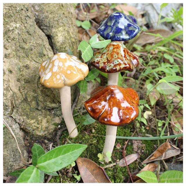 Online Shop 4pcs Ceramic Toadstools For The Garden Tinkling