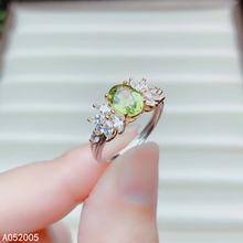 Женское кольцо из серебра 925 пробы с натуральным Перидотом