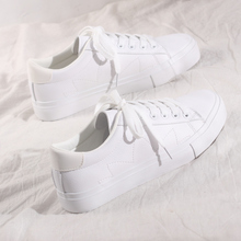 Women White Shoes Casual Sneakers Lace Up Flat Heel Leather Trainers All Match Soft Sole Good Quality Girl Spring Shoes Basic