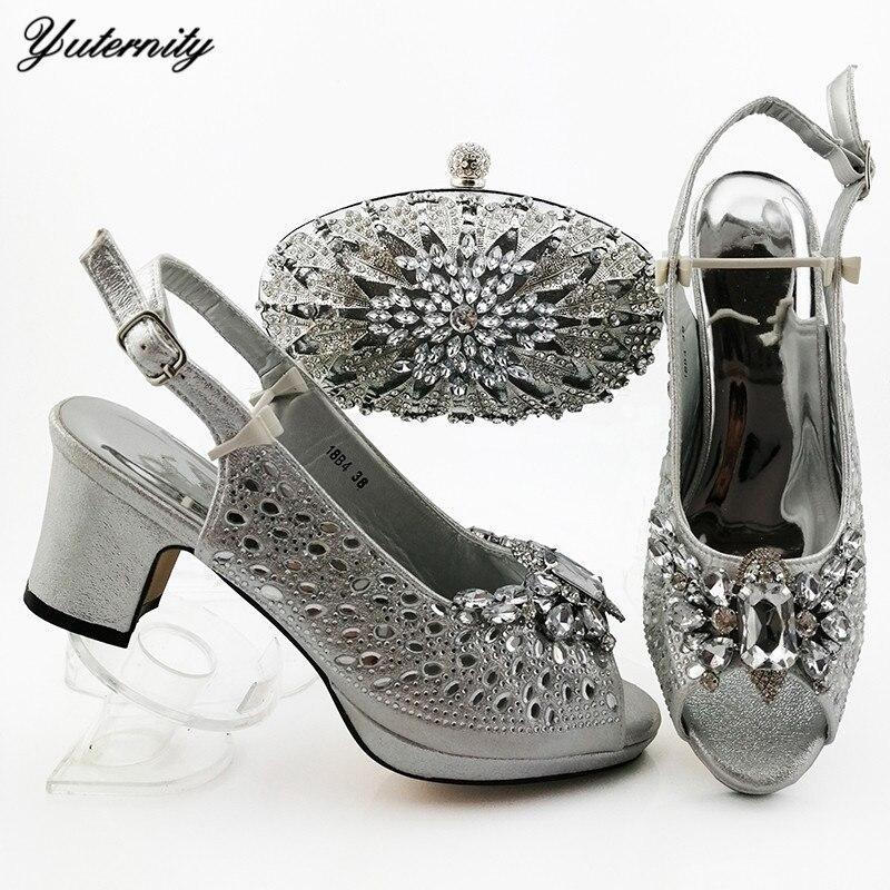 Yuterity offre spéciale talons carrés femme chaussures et ensemble de sacs nigérian couleur argent chaussures de mariage et ensemble de sacs pour la fête de célébration