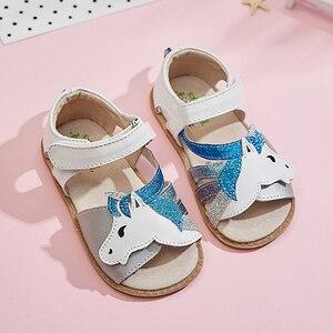 Image 4 - TipsieToes Top marka jednorożce miękka skóra w lecie nowe dziewczyny dzieci buty z palcami sandały dziecięce maluszek mały 1 12 lat