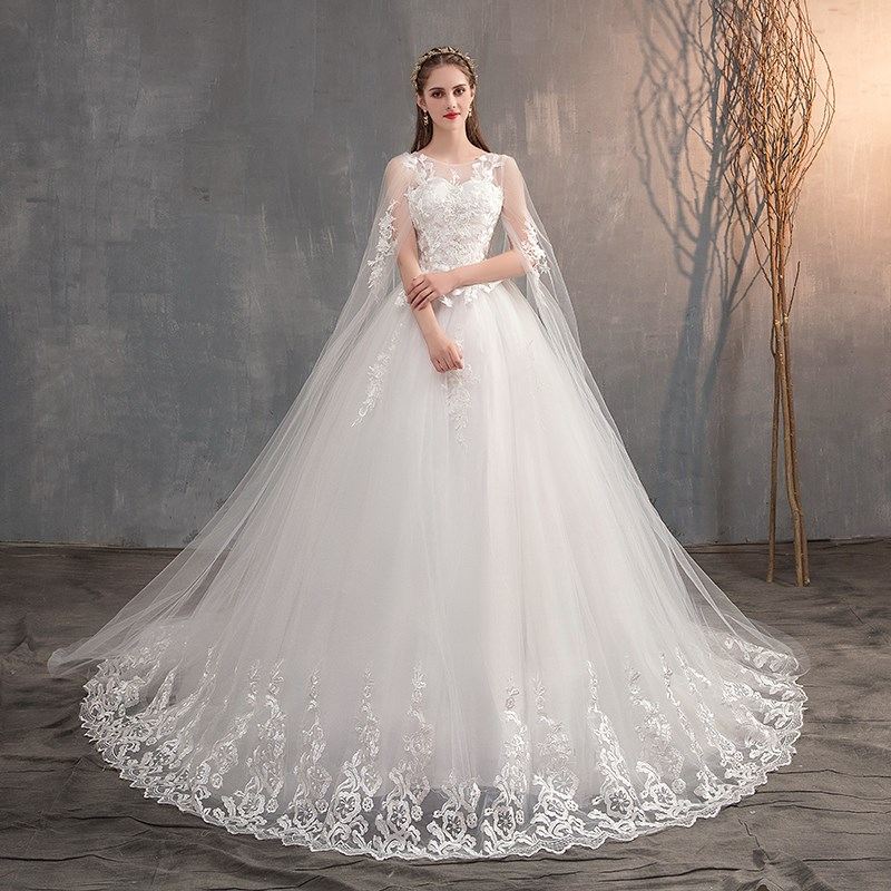2021 Chinese Wedding Dress With Long Cap Lace Wedding Gown With Long Train Embroidery Princess Plus Szie Bridal Dress