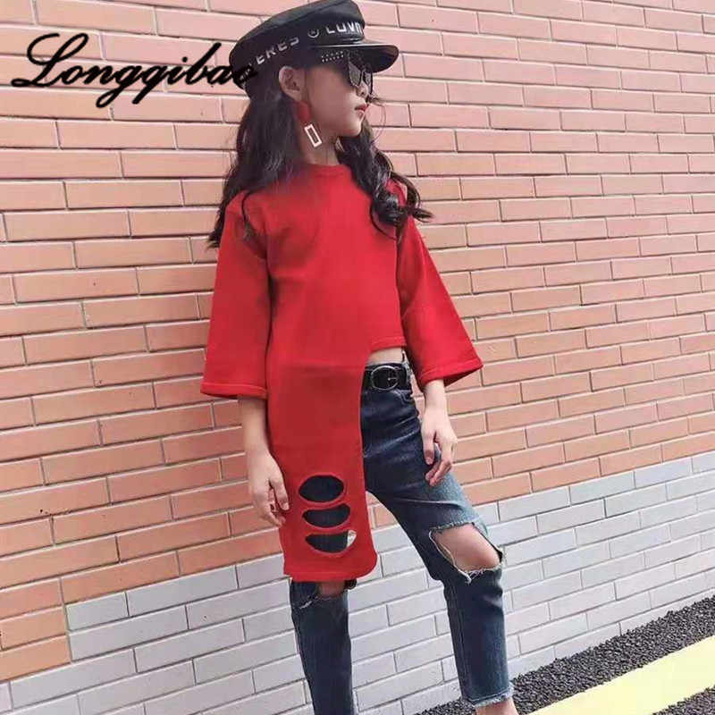 Longqibao Anak Pakaian Gadis Sweater Merah Bayi Perempuan Kepribadian Lubang Asing Tren Catwalk Sweater Pakaian
