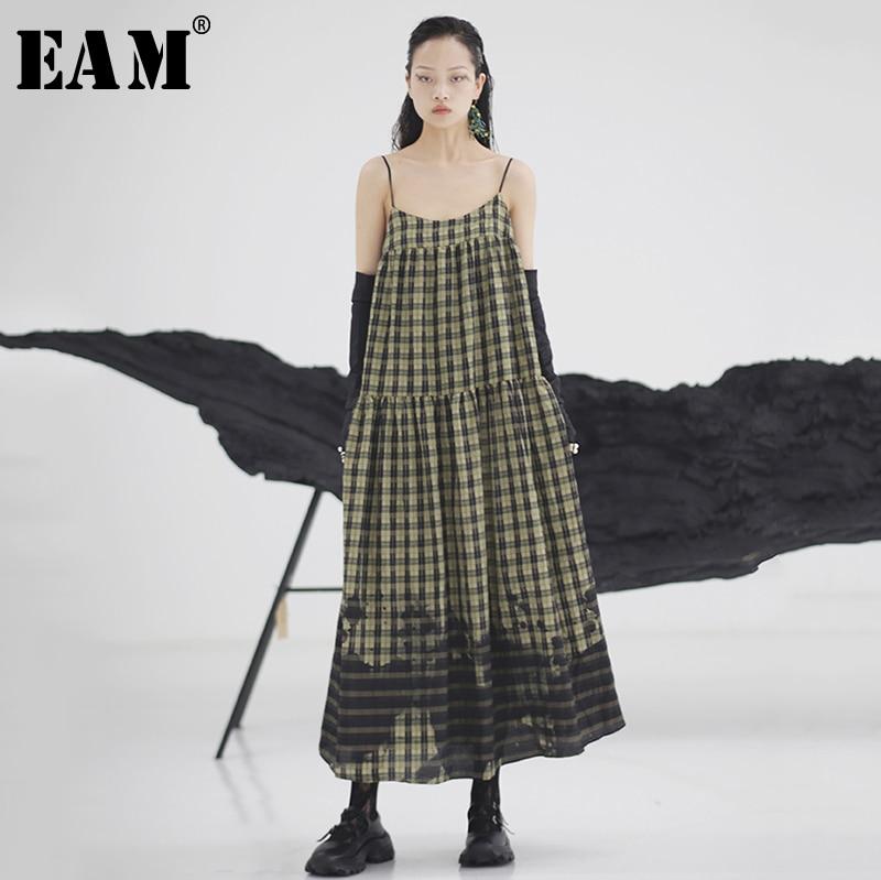 [EAM] Women Army Green Plaid Stitch Long Spaghetti Strap Dress New Sleeveless Loose Fit Fashion Tide Spring Summer 2020 1W977