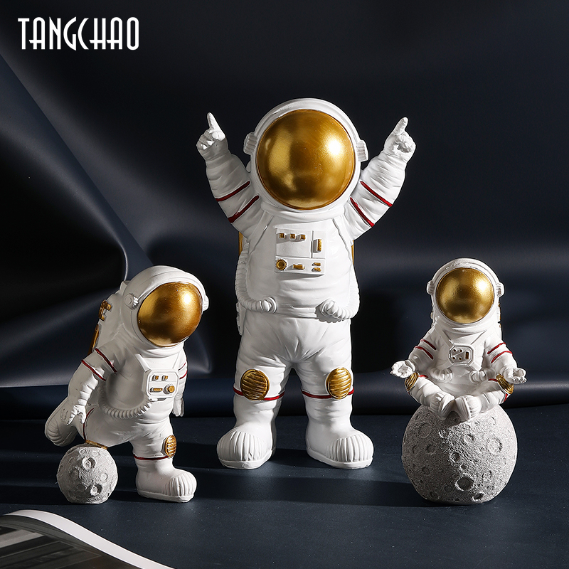 3pcs Nordic Astronaut Figurines Resin Sculpture Modern Home Decor Miniatures Table Ornaments Cosmonaut Figure Home Decorative
