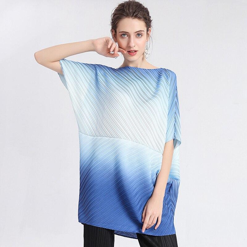 LANMREM 2020 New Spring Round Collar Gradient Color Short Sleeve Pullover Bat T-shirt Women Casual Loose Irregular Tops PD591