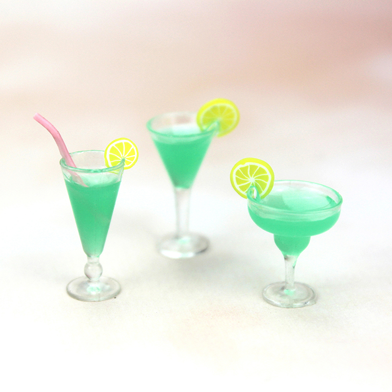 1Pcs Mini Resin Cocktail Cup Simulation Drink Glass Model Toy Doll House Decoration Scale 1/12 Dollhouse Miniature Accessories