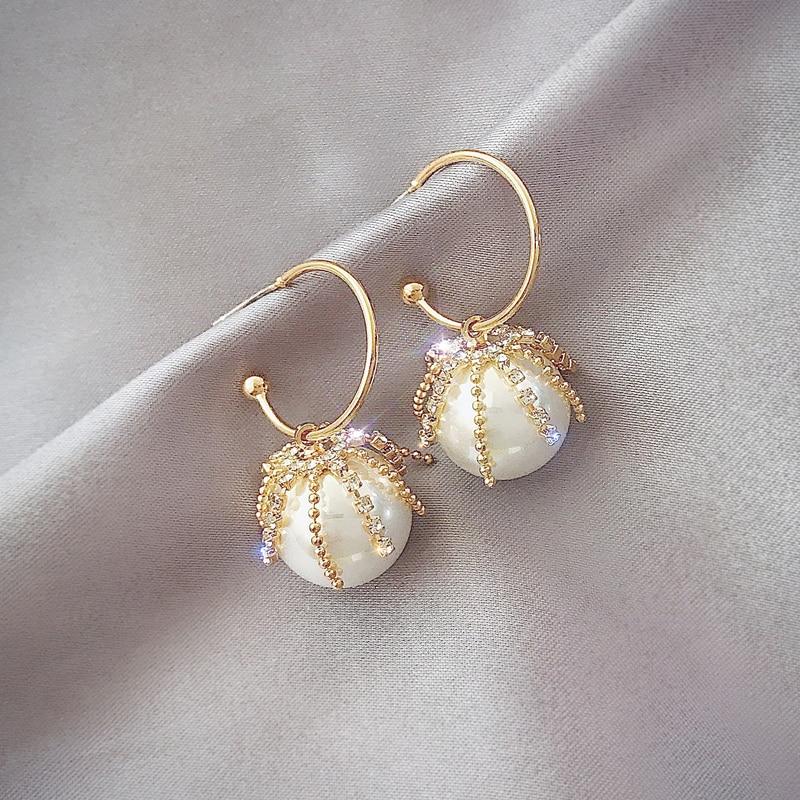 High sense pearl earrings female 2020 new Korean earrings temperament simple and versatile earrings exquisite Women's Earrings