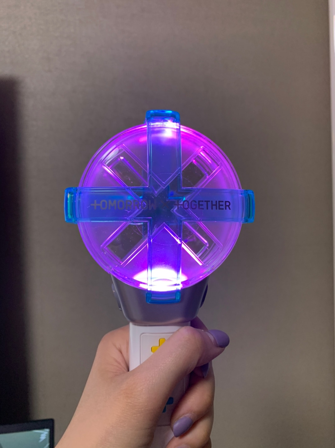 TXT OFFICIAL LIGHTSTICK with Bluetooth