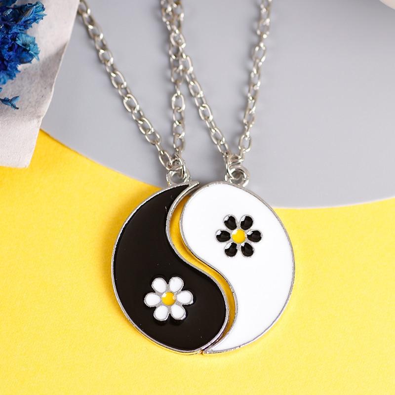 Style chinois rétro collier mode bijoux Couple pendentif créatif Tai Chi ragot rond fleur BFF amitié pendentif offre spéciale