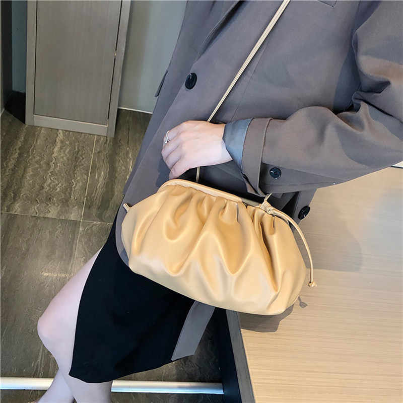 Kadın Bulut Köfte askılı çanta Retro 2019 Yeni Moda Bulut Şekli Kadın Çapraz vücut omuzdan askili çanta Çanta el çantası #40