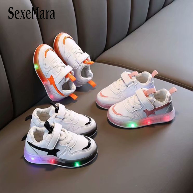 Baby Shoes Toddler Boy Sneakers With Luminous Sole 2020 Casual Glowing Up Shoes For Girls White Star LED Kid Shoes Spring C12274