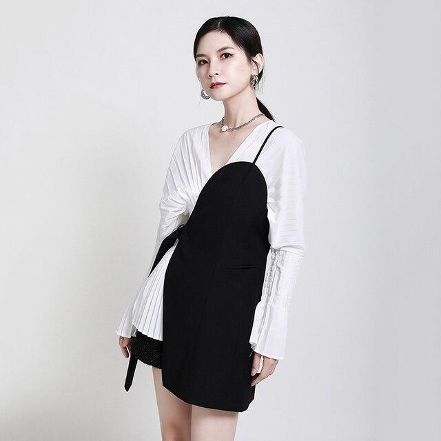 [EAM] Women Loose Fit Black Irrgular Bandage Stitch Vest New V-collar Sleeveless   Fashion Tide Spring Autumn 2021 1DA977 5