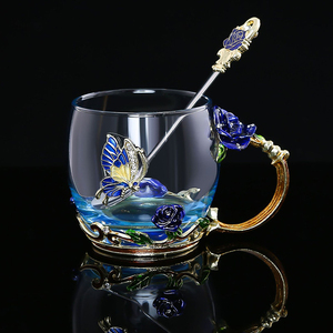 Image 2 - Taza de té de cristal esmaltada en rosa y azul roja taza de café, tazas de agua de flores pintadas en Mariposa o rosa, Juego de vasos transparentes con cuchara, regalo perfecto