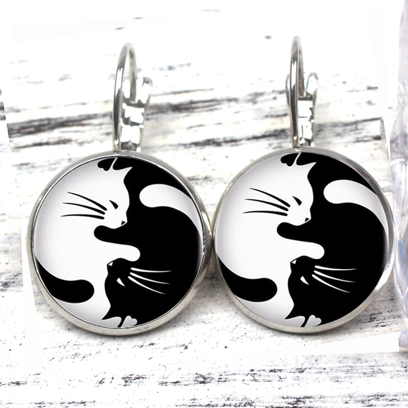 2019 Retro Glass Black and White Two Cat Earrings Woman Fashion Earrings Private Custom New Jewelry Jewelry Silver Bronze black in Drop Earrings from Jewelry Accessories