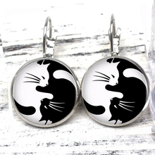 2019 Retro Glass Black and White Two Cat Earrings Woman Fashion Private Custom New Jewelry Silver/Bronze/black