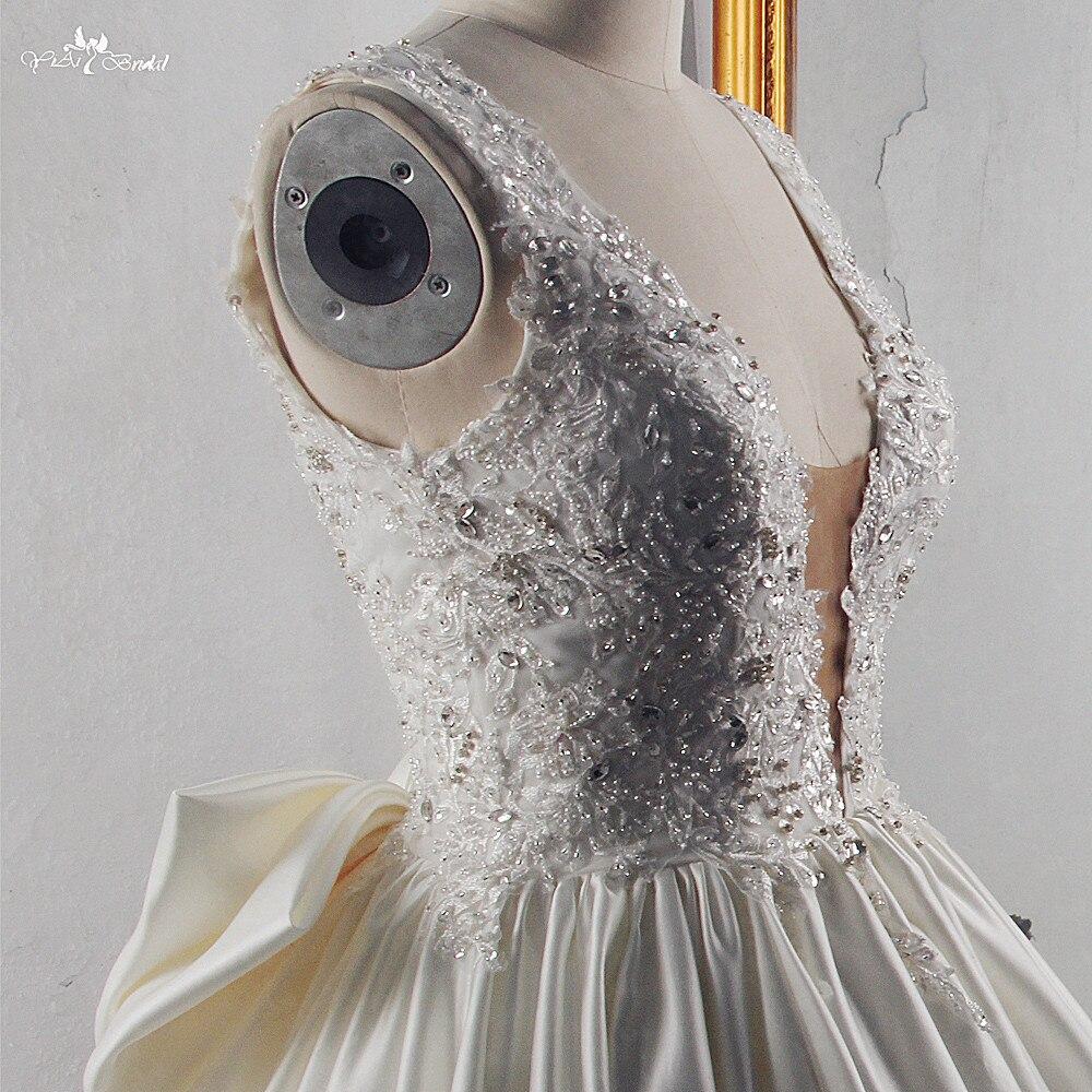Image 5 - RSW1533 Princess Ball Gown Wedding Dresses 2019 Big Bow Back V Neck Applique Chapel Train Satin Vintage Bridal GownWedding Dresses   -