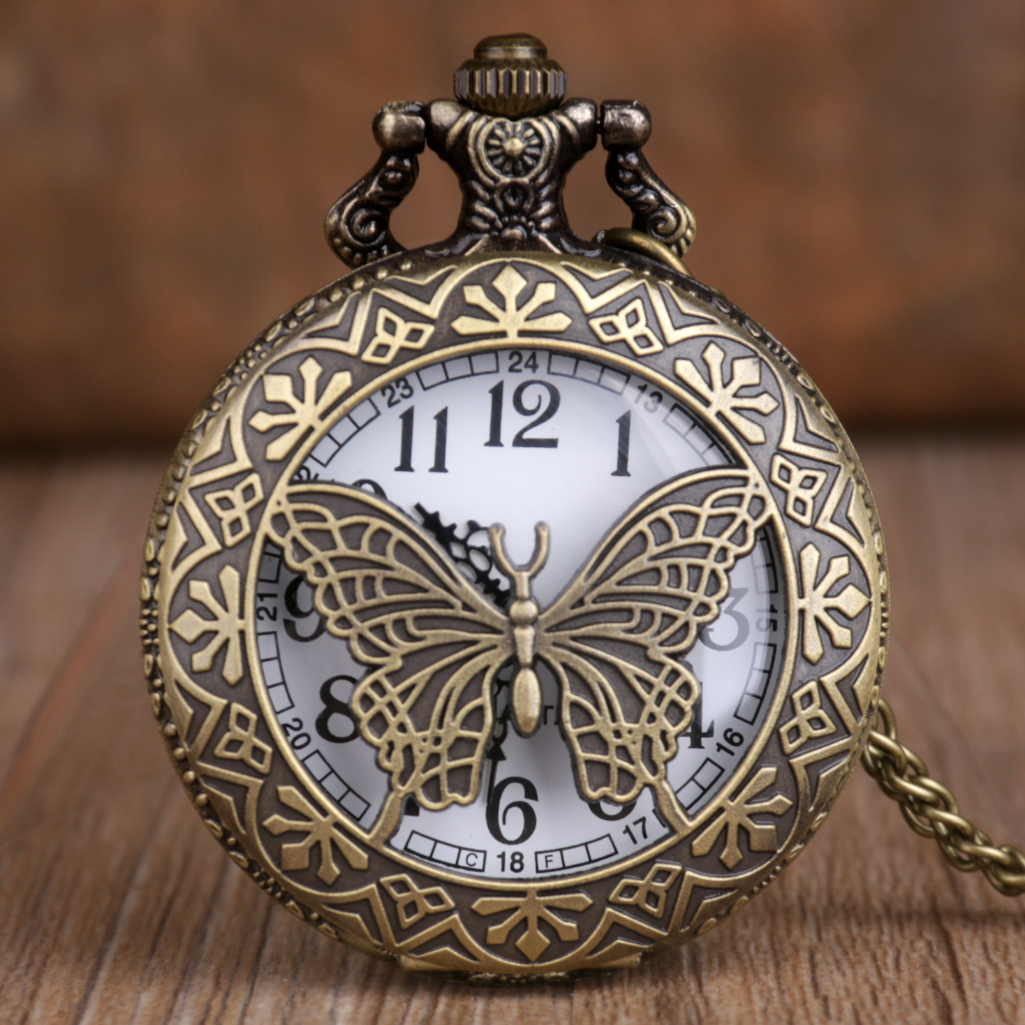 New Vintage Bronze Quartz Pocket Watches Butterfly Carving Pocket Watches Fashion Unisex Pocket & Fob Watches Unique Gifts