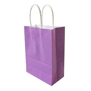 Image 2 - 40 sztuk romantyczny fioletowy kolor kraft papierowa torba z uchwytami 21x15x8cm sklepów upominki świąteczne torba wysokiej jakości darmowa wysyłka