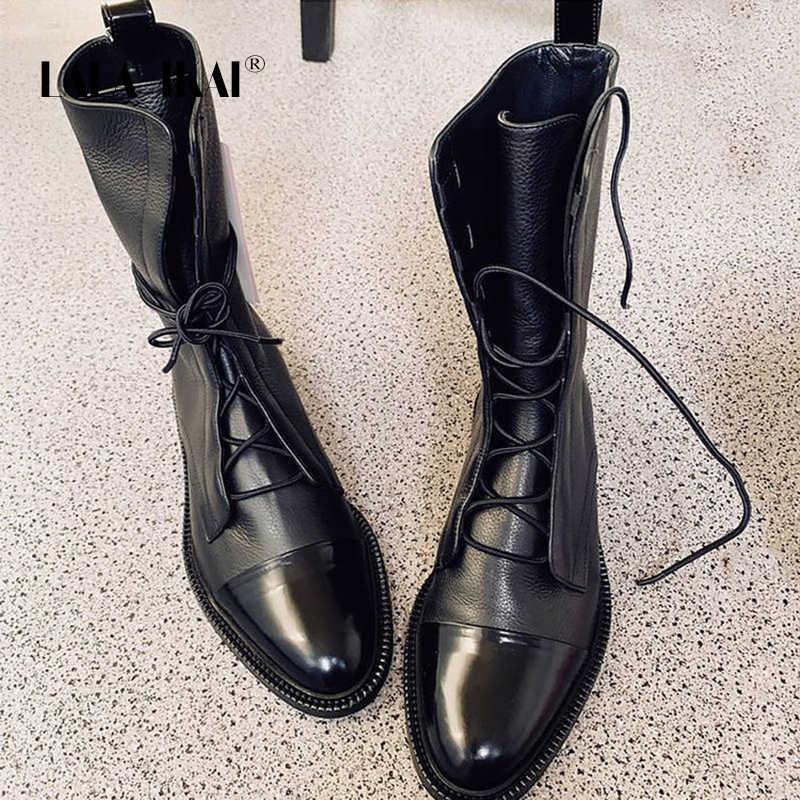 LALA IKAI çizmeler kadın sonbahar kış ayak bileği siyah ayakkabı kadın dantel-Up motosiklet çizmeler PU deri zapatos de mujer XWA8830-4