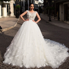 Flowers Ball Gown Wedding Dress With Picture Veil Suknia Slubna Buttons Up Back Full Pearls Body Tulle Dresses Robe De Mariage