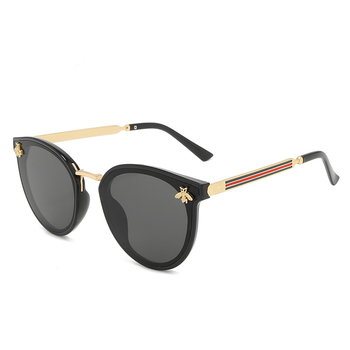2021 nowe okulary przeciwsłoneczne pszczoła czerwona zielone modne okulary UV okulary vintage okulary w stylu retro okulary przeciwsłoneczne okrągłe okulary przeciwsłoneczne tanie i dobre opinie PLAMIS CN (pochodzenie) WOMEN KOCIE OKO Dla osób dorosłych Z poliwęglanu Lustrzana Fotochromowe Przeciwodblaskowe UV400