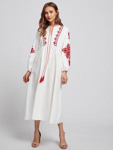Image 3 - Ethnische Stil Muslimischen Frauen Langarm Maxi Kleid Stickerei Arab Abaya Cocktail Kordelzug Vintage Kleid Ukrainischen Vyshyvanka