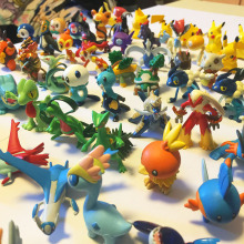 Takara  POKEMON Action Figure Toys Anime Dolls Collection Gifts for Children Randomly