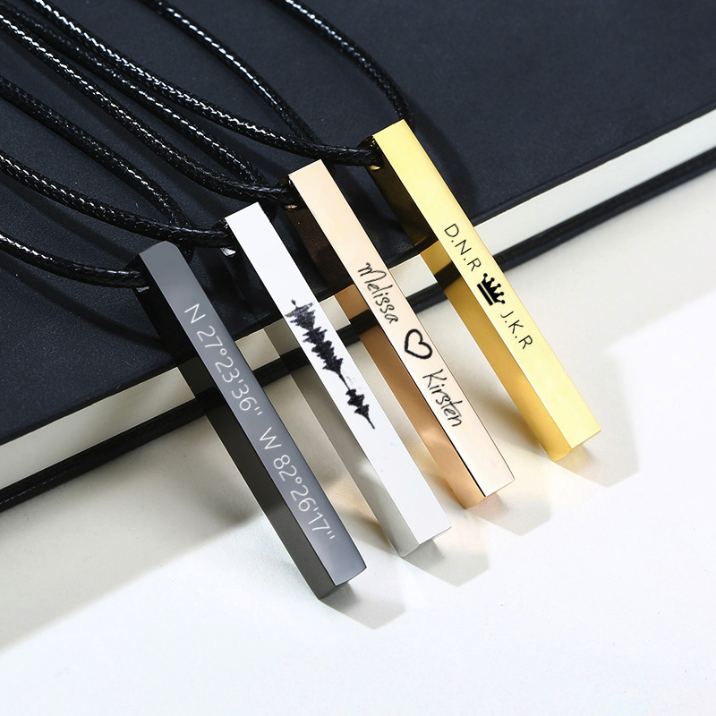 Colgante cuadrado para hombre, collar de cuero, grabado personalizado, cuatro lados