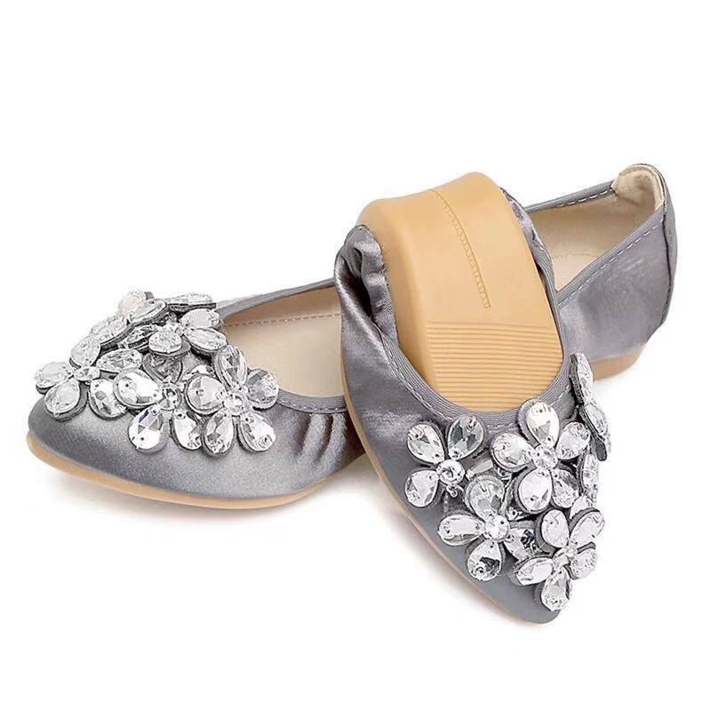 2019 New Women Summer Shoes Pointed Toe Rhinestone Flowers Flat Shoes Woman Soft Large Size Foldable Ballet Women Flats XKD1012