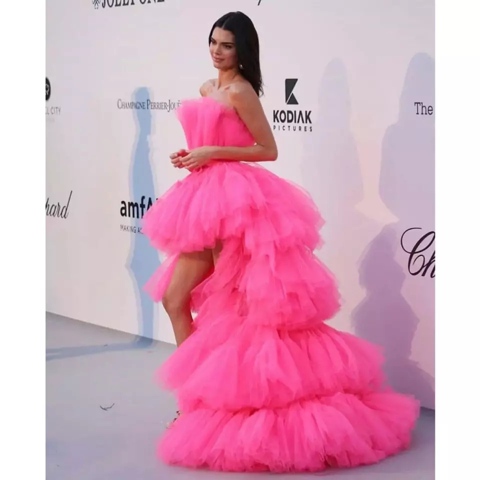 Pink Tiered Prom Dresses Strapless Short Front Long Back Evening Gowns Women Formal Party Elegant Princess Graduation Dress 2020