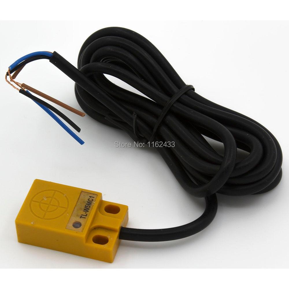 30x18x10 5mm Sensing NPN NO TL-W5MC1 NC TL-W5MC2 PNP NO TL-W5MF1 NC TL-W5MF1 Flat Shape Inductive Proximity Sensor Switch TL-W5M