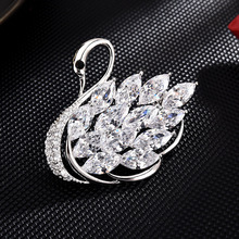 New brooches for women Dress coat Accessories gifts for women enamel pin Fashion Jewelry hijab pins High-end swan brooch pins brooches for women hijab pins fashion jewelry cc brooch gifts for women high end wedding brooch dress accessories enamel pins